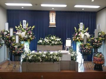 友人、知人を招いての葬儀