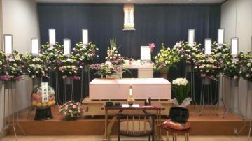 急逝した母のための寂しくない葬儀