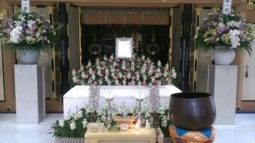 葬儀は地元で、火葬は故郷で